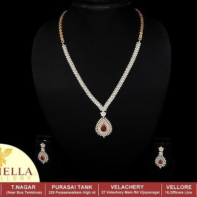 Nathella Exclusive Diamond Set..    For details visit..  http://nathella.net/collections/diamond/diamond-necklace/exclusive-diamond-set.aspx