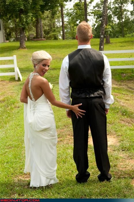 Funny Wedding Photos - Mrs. Grabbypants