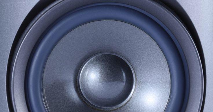 Como consertar caixas de som que estão sem o alto-falante grave . Você às vezes tem a impressão de que suas caixas de som não estão funcionando normalmente? Felizmente, talvez não seja necessário comprar um equipamento novo para ouvir suas músicas sem interrupções. Caso tenha notado que suas caixas de som estão sem os alto-falantes graves, existem algumas opções que podem melhorar a emissão do som. Veja a seguir ...