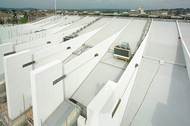 Wembley Arena London, UK UltraPly TPO Fully Adhered System (FAS) 10.000 m²