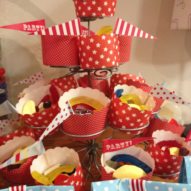 Lollies on cupcake stand