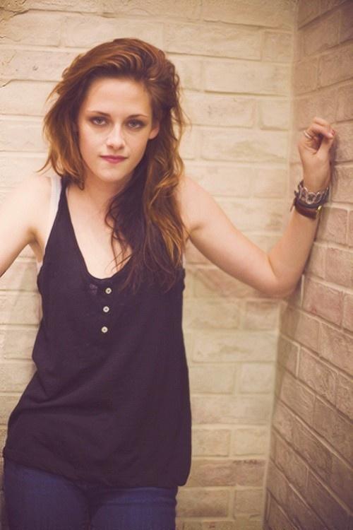 Kristen Stewart - don't like her but her hair is bangin'