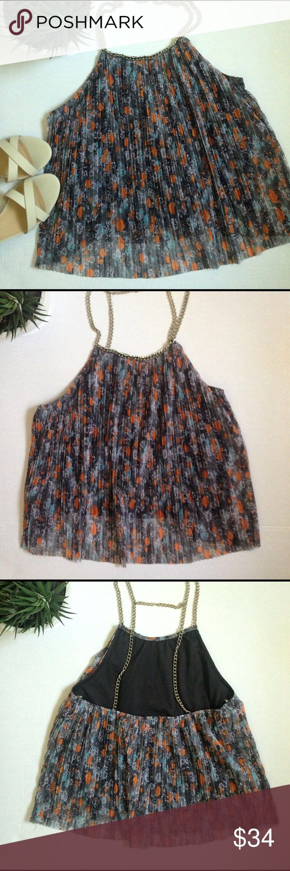 Foreign Exchange sleeveless crop top Foreign Exchange sleeveless crop top with chain and pleated details. Foreign Exchange Tops Crop Tops