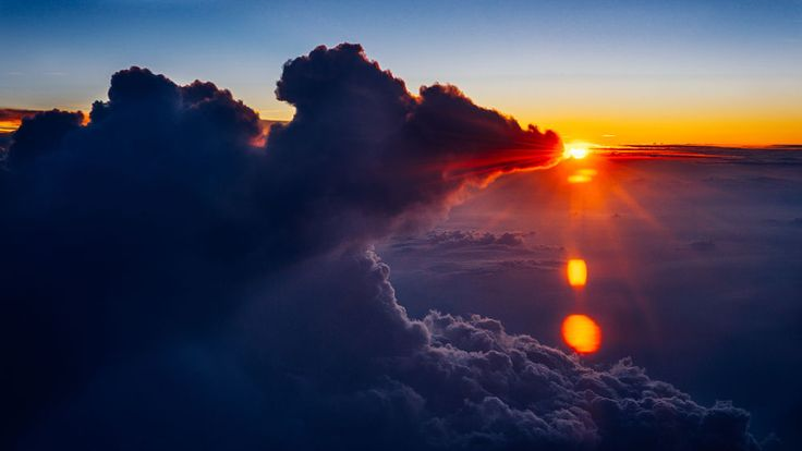 And the Cloud eats the Sun by Nitish Kumar Meena on 500px