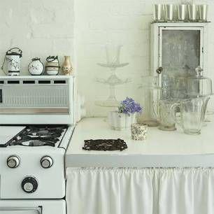 kitchen: Con Cortina, Chic Decor, Kitchen Style, Kitchen Dining, Vintage Rose, Lil Kitchens, Vintage Kitchen