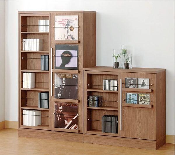 小島工芸・扉付きスライドボード【書斎家具通販】 写真のラバーバンドは当商品には付属しておりません。