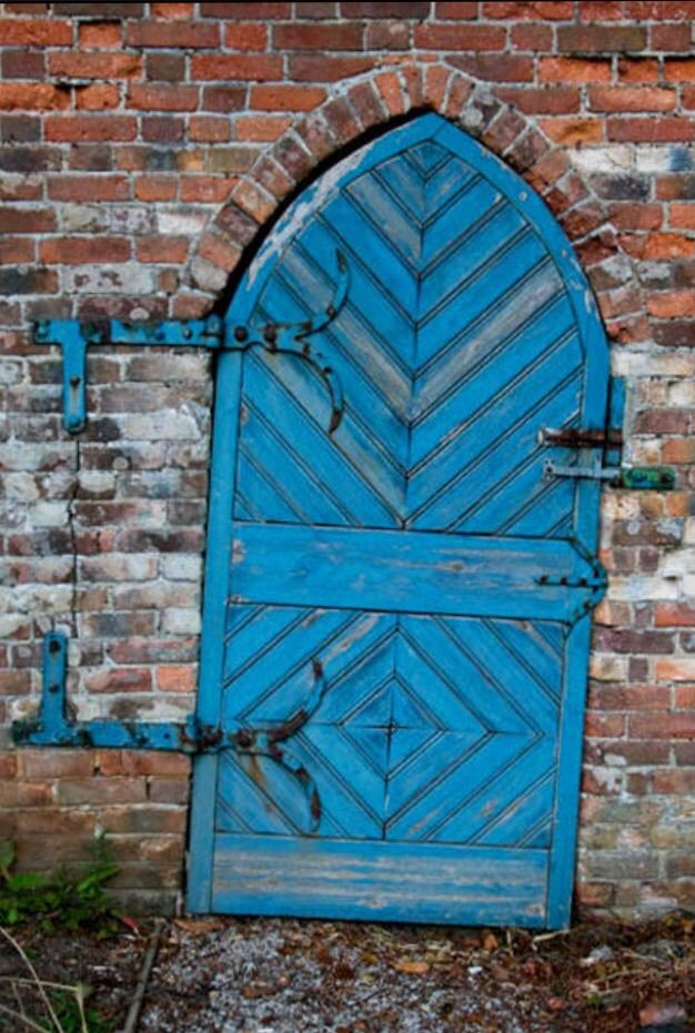 Trengwainton - Madron Cornwall England (interesting that the strapping goes into the wall) & 281 best DOORS images on Pinterest   Windows Architecture and ... pezcame.com