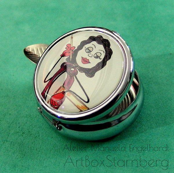 Weiteres - Taschenaschenbecher verchromt: Smoking STickwoman - ein Designerstück von ArtBoxMunich bei DaWanda