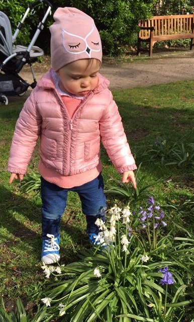 """Happy Swedes - Princess Madeleine shared a picture of Princess Leonore; """"Spring is finally here!"""""""