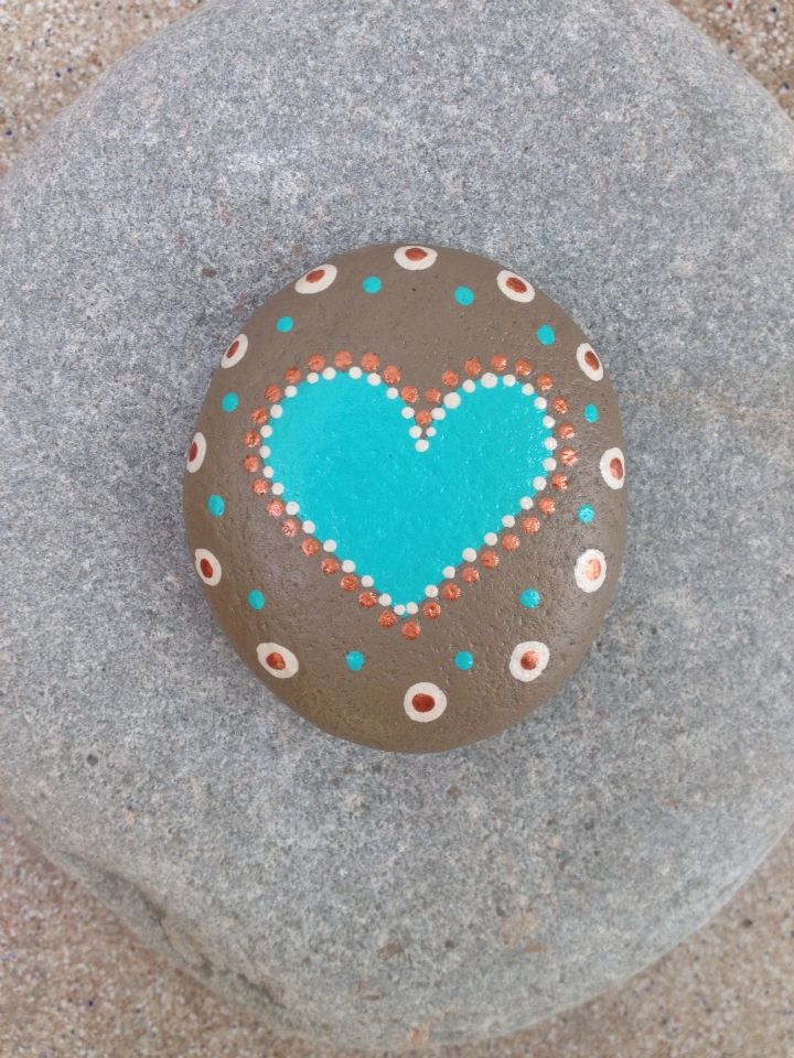 painted stone dots heart