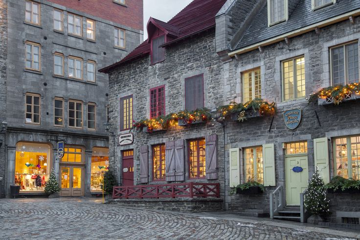 To the east, Quebec City's claim to fame is the fact that it's the only walled city with cobblestone streets north of Mexico. There's a budding creative scene in the city as well as numerous festivals and fairs during the summer, thanks to the many artsy types who have settled there. (Photo byViviane Ponti via Getty Images)  via @AOL_Lifestyle Read more…