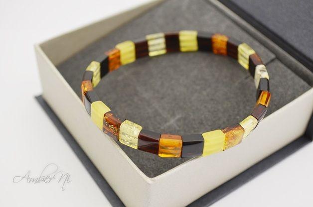 Der quadratische Baltic Amber bunten Armband für Frauen. Es ist sehr schön, an mehreren Armbänder am Arm zu suchen. Sehr einfach und lässig Armband.