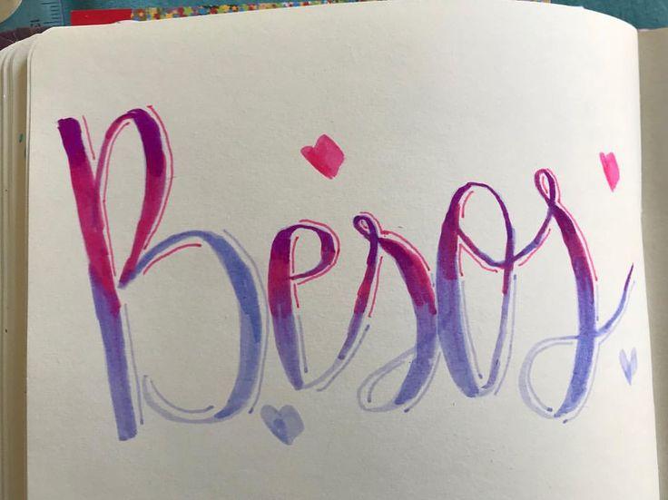 Ayer fue festivo así que aquí tenéis el reto de #elpoderdeloscolores besos para todos en este mes de noviembre que arranca positivo #lettering #letteringlove #letrasbonitas #lovelettering #meencantaellettering #pasionlettering #letteringenespañol