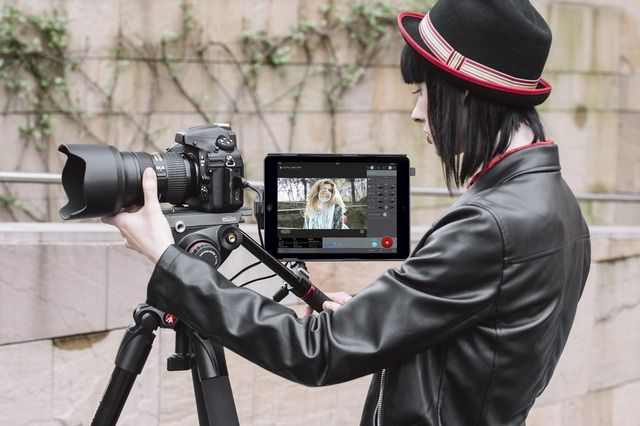 Manfrotto has unveiled the Digital Director, a new accessory for iPad that lets you remotely control your Nikon or Camera DSLR and use the iPad's display as a live preview monitor.