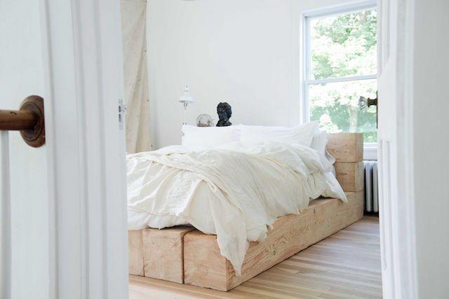 my scandinavian home: The beautiful white farmhouse of an interior designer