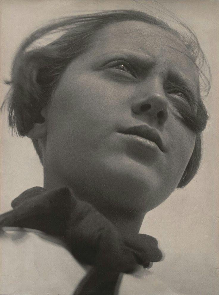 Aleksandr Rodchenko, Pioneer Girl, 1930