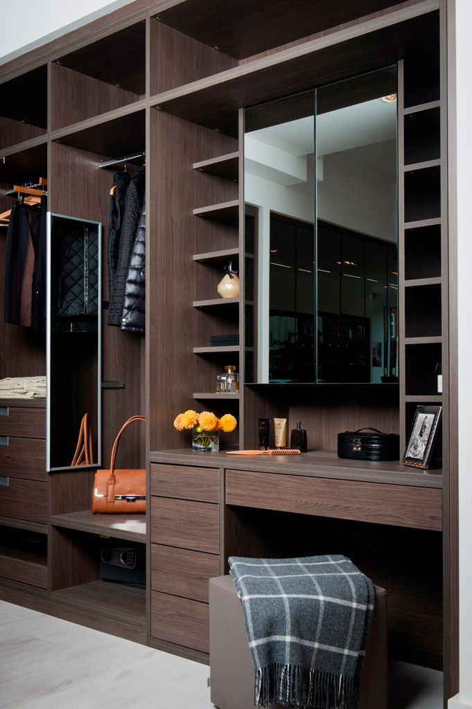 Who wouldn't want the addition of a Built-In Dressing Table to their walk in wardrobe? #Neatsmith #Wardrobe #WalkInWardrobe