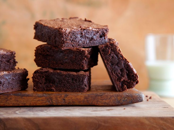 The Domestic Curator: BLUE-RIBBON BROWNIES