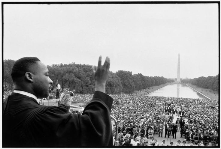 Bob Henriques - Martin Luther King speaking to the crowds, 1957, silver gelatin print