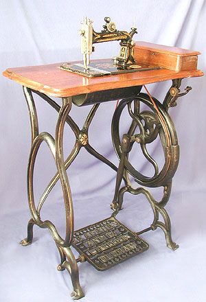 ❤✄◡ً✄❤  The Bradbury 1A was available throughout the 1870s. This particular example of the Howe - inspired machine came complete with a relief brass medallion featuring the Wellington trade mark, somewhat mimicking those found on Howe originals. - http://www.dincum.com/library/lib_bradbury_1A_1.html