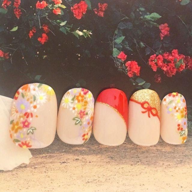 ローラポンポニー表参道さんの和,フラワー,ショート,ベージュ,チップ,カラフル,ブライダル,レッド,ハンド,サンプルチップネイル♪[1784778]|ネイルブック