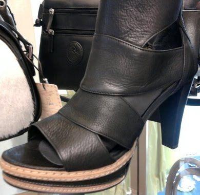 Fonnesberg black shoe high heel