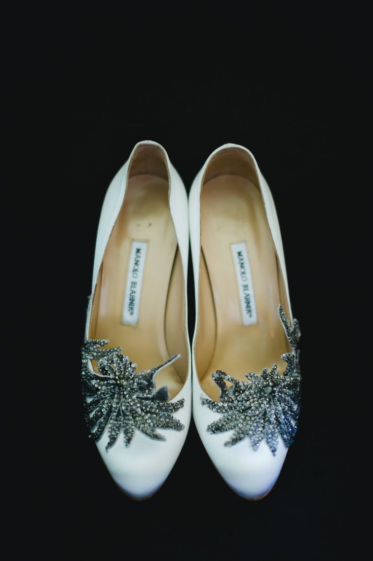 The stunning shoes of the Bride with a silver decorations