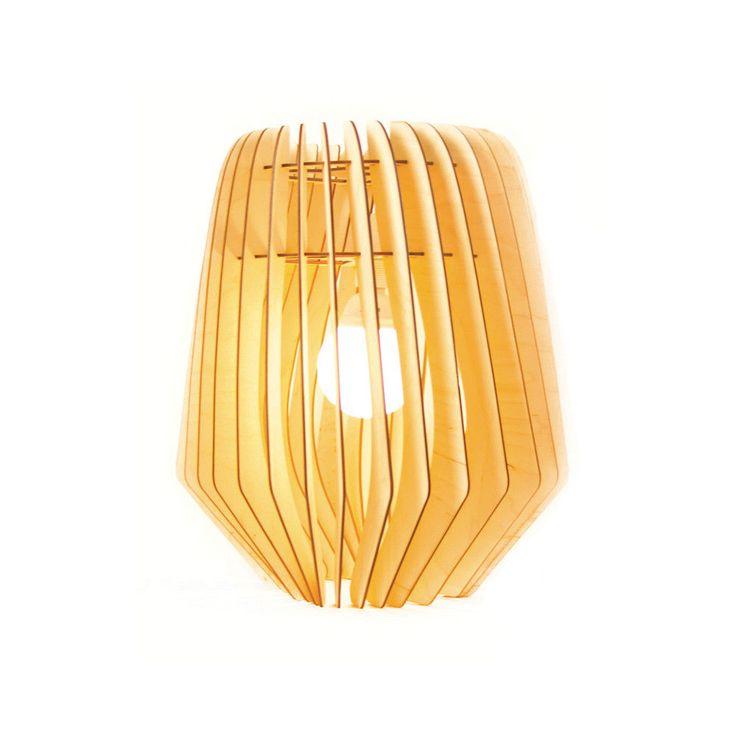 Een ware eyecatcher, Bomerango Spin Large: stijlvol, stoer en eigentijds. Een houten lamp die zowel als hanglamp, tafellamp en als vloerlamp te gebruiken is. De Bomerango Spin Large heeft een Scandinavisch design en is bijzonder door haar grootte en de lichtsfeer die ontstaat!