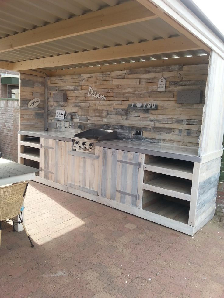 outdoor kitchens constructed of pallets.