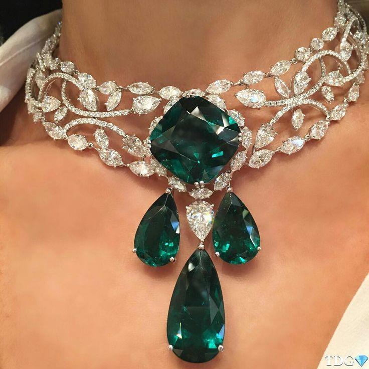 moussaieffjewellers emerald and diamond choker