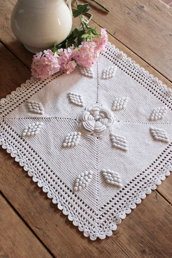 French Vintage Large Sqaure Crocheted Doily with by Chezpetitpica, €10.00