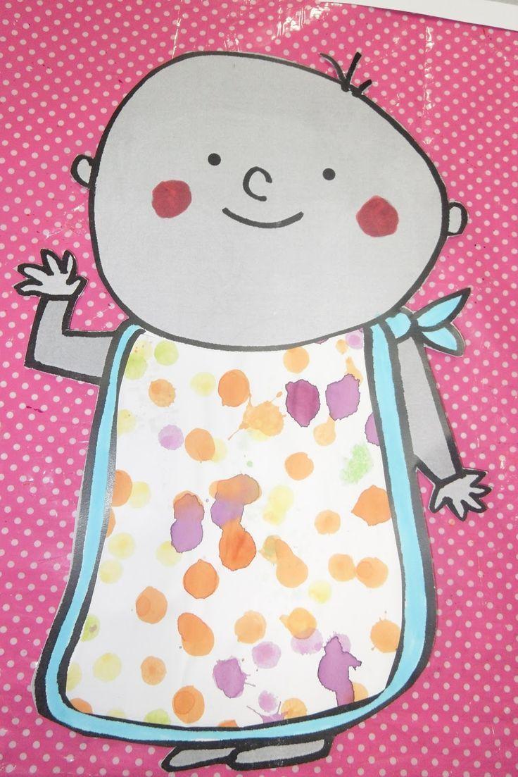 De baby morst met pap - schilderen met pap-fles of lepel en pap gemaakt met verf en zand