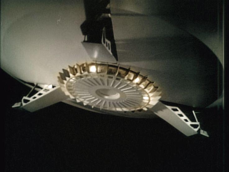 a spaceship landing on jupiter - photo #25