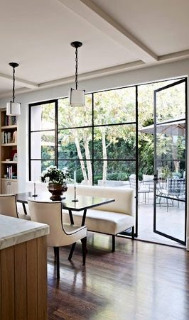 19 Lovely Dining Rooms w/a #Settee ➤ http://CARLAASTON.com/designed/settee-in-dining-room