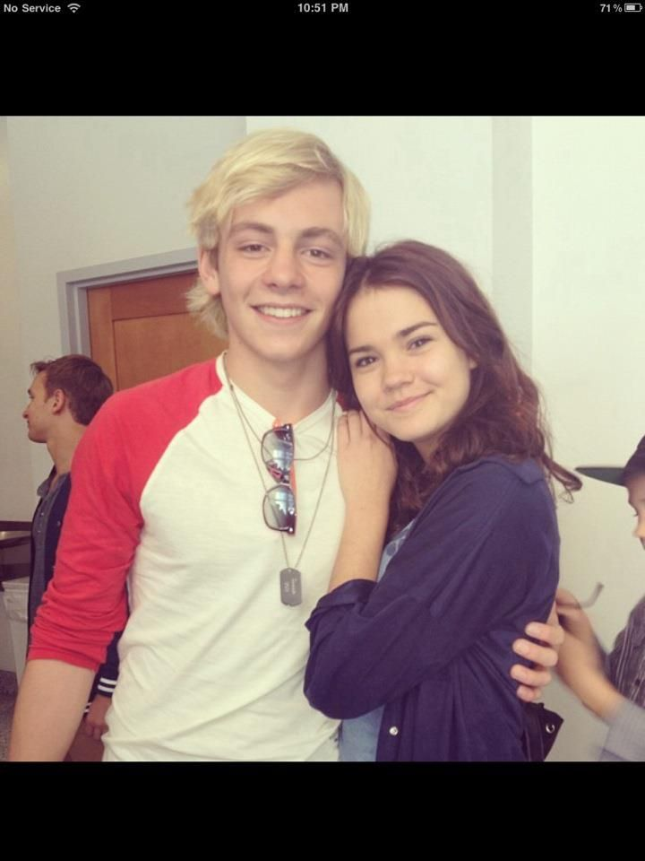 Maia Mitchell and Ross Lynch<3