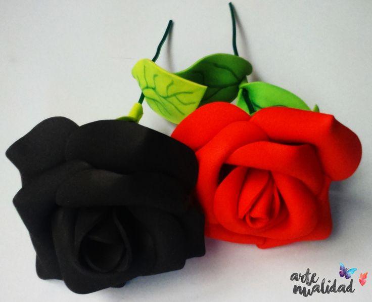 Artenualidad: rosas negra y roja que duran para siempre, son rosas eternas.