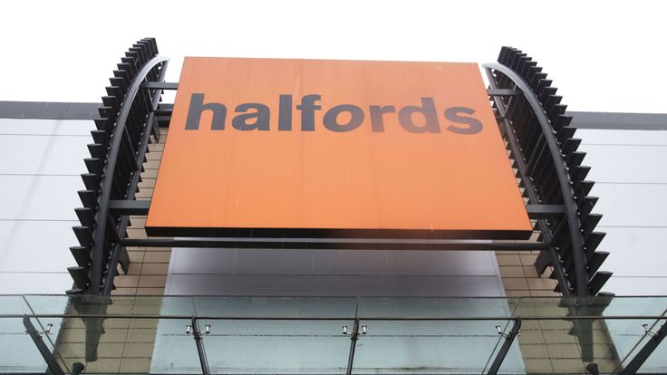 Halfords peddles mobile tyre-fitting service - Sky News