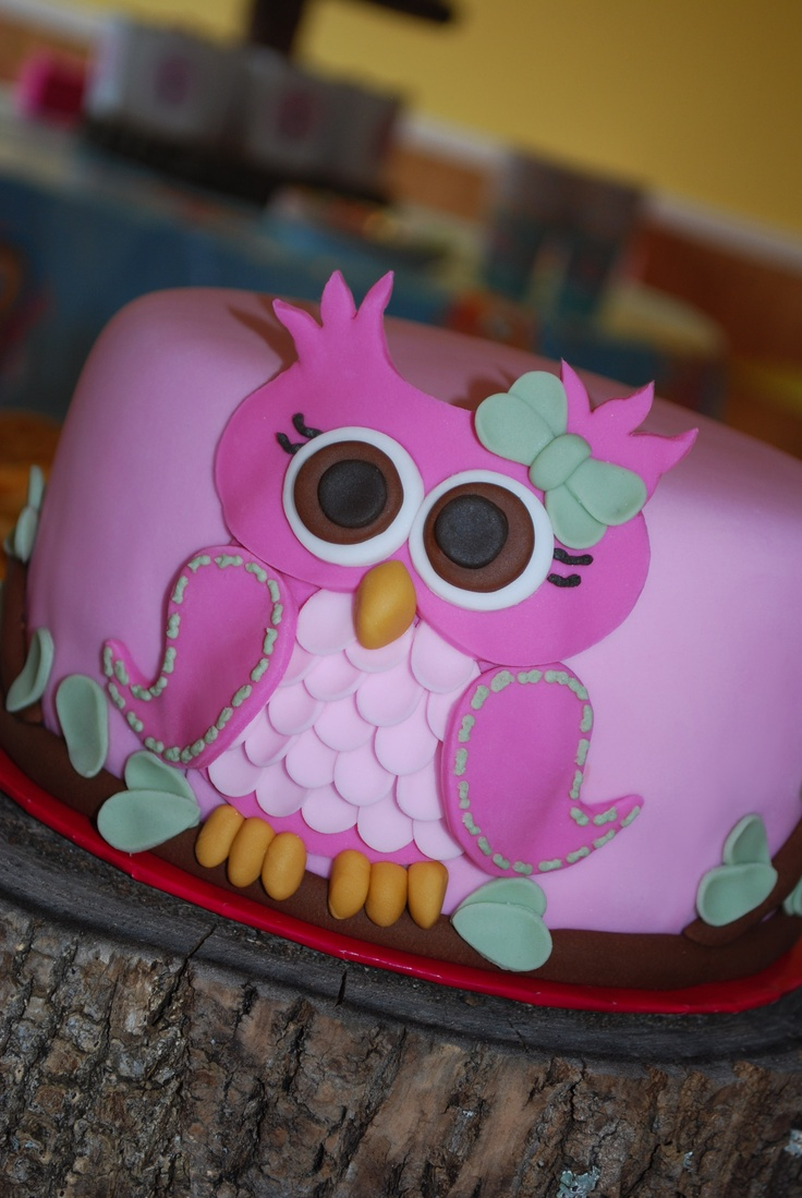 Cute little fondant owl :) Completely my design!