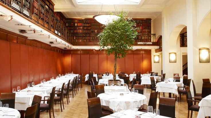 The Main Dining Room, featuring The Old Westminster Library