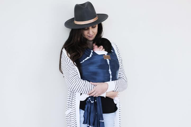 Baby Carriers Australia - Chekoh Indigo Wrap. Made from Lightweight stretch Rayon blend it is a must have for those warmer days and nights (http://www.babycarriersaustralia.net.au/chekoh-indigo-wrap/)