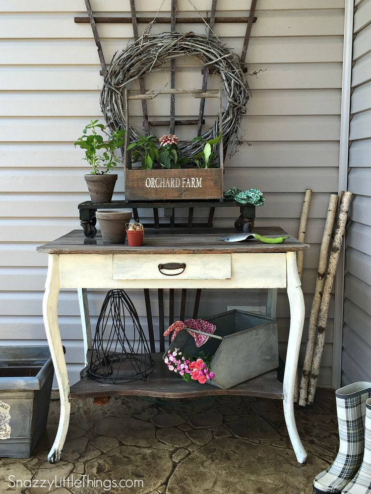 Front Porch Home Tour: by SnazzyLittleThings.com
