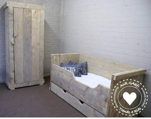 17 beste idee n over lades onder het bed op pinterest onder het bed opslag het organiseren - Kast kind grenen ...
