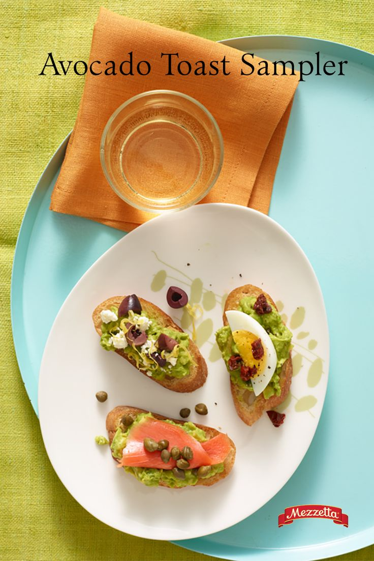 Everybody loves avocado toast. This summer while you're grilling outside, throw some crostini on there and top off in a variety of ways! Learn how.