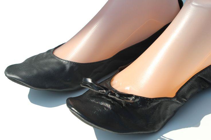 Suite aux demandes de nos clientes, la nouvelle Shoette Mini est arrivée. Pas de nœud sur le dessus de la ballerine pour un modèle plus élégant.  Découvrez tous nos modèles de ballerines de secours pliables et enroulables sur www.shoette.com
