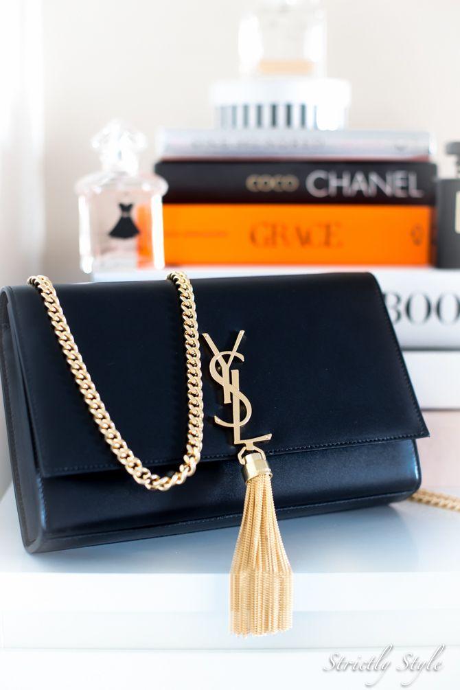 Saint Laurent Tassel Shoulder Bag YSL clutch  Diese und weitere Taschen auf www.designertaschen-shops.de entdecken