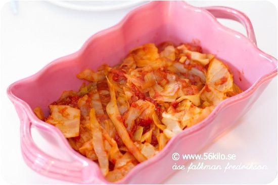Fetaostgratinerad chorizo med tomatvitkål