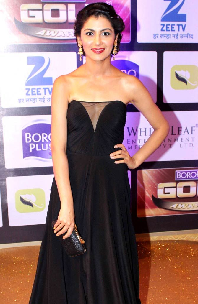 Sriti Jha at Gold Awards 2016. #Bollywood #Fashion #Style #Beauty #Hot #Sexy