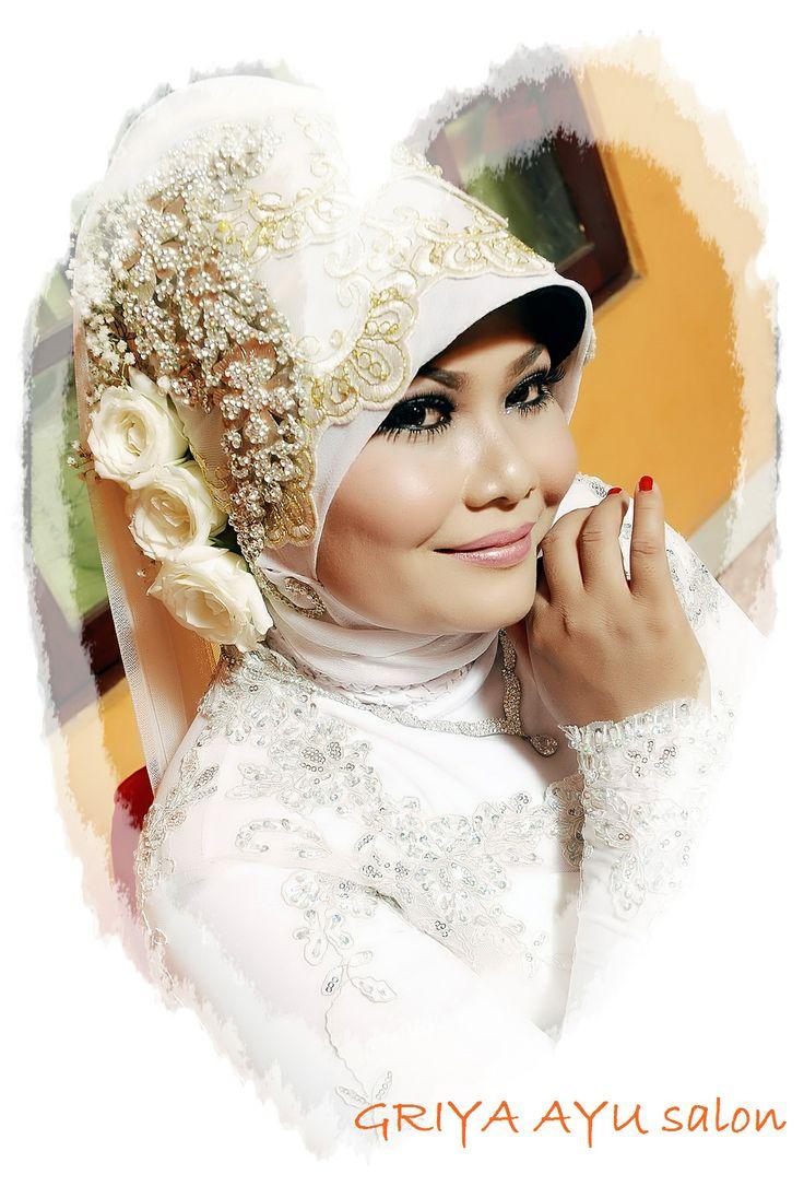 #hijab style... white kebaya dress ;)