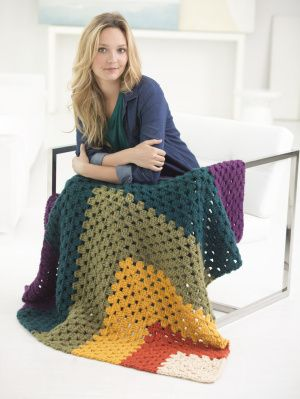 Free Crochet Pattern: Corner Granny Afghan Lion Brand® Hometown USA® Pattern #: L50149 Be the first to rate this pattern! Yarn= 6, Super Bulky.SKILL LEVEL: Easy (Level 2) There is another pattern, same style, using worsted or aran weight yarn here http://www.lionbrand.com/patterns/90545AD.html