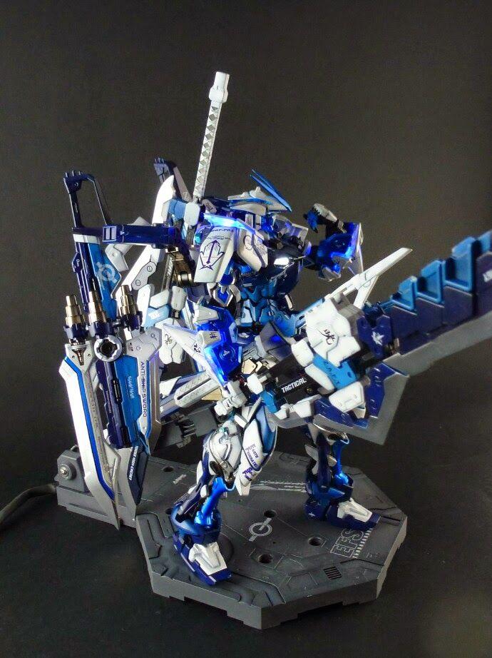 MG 1/100 Gundam Red Frame Astray with Custom Caletvwlch Sword + LED Custom Build - Gundam Kits Collection News and Reviews